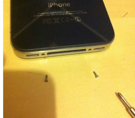 Cómo proteger nuestro iPhone 4 de arañazos