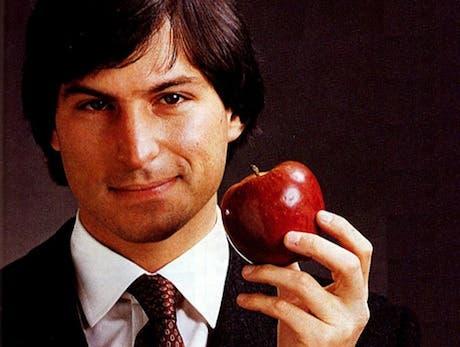 Steve Jobs renuncia al puesto de CEO en Apple