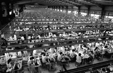 Apple admite la existencia de abusos a trabajadores de sus empresas proveedoras