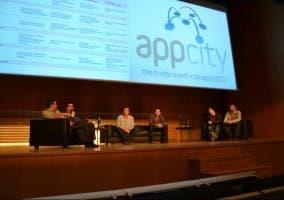Charla entre los ponentes de AppCity.