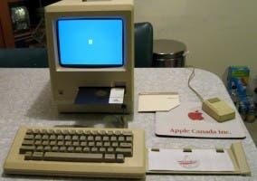 Imagen de un Mac con disquetera Twiggy