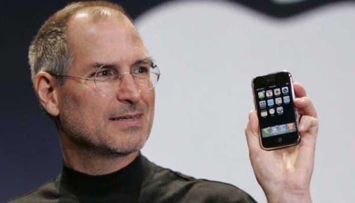 Jobs y el iPhone, inseparables