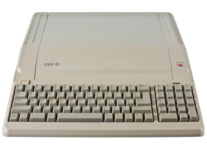 Ordenador Apple IIe Platinum Desktop 1987