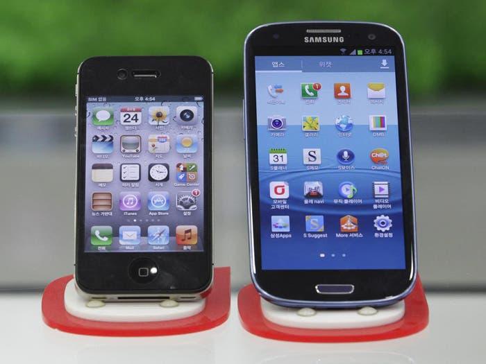 Comparativa visual entre el iPhone4S y el Samsung Galaxy S III