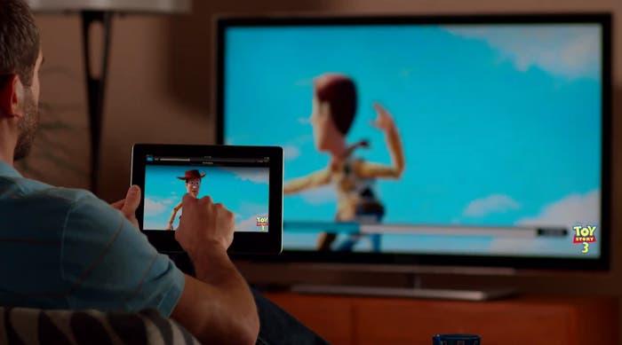 AirPlay permite, entre otras cosas, visualizar nuestras películas favoritas en el salón de nuestra casa