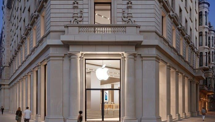 La keynote ha comenzado haciendo especial mención a la Apple Store de Barcelona