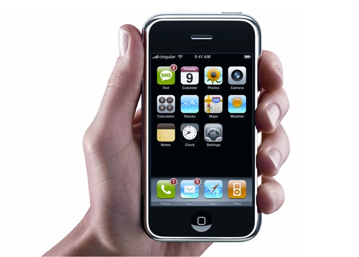 Aspecto del primer iPhone lanzado en 2007