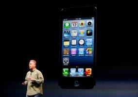 Phil Schiller presentando el iPhone 5