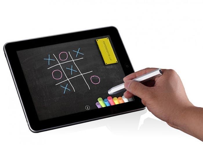 Stylus para iPad jugando al tres en raya