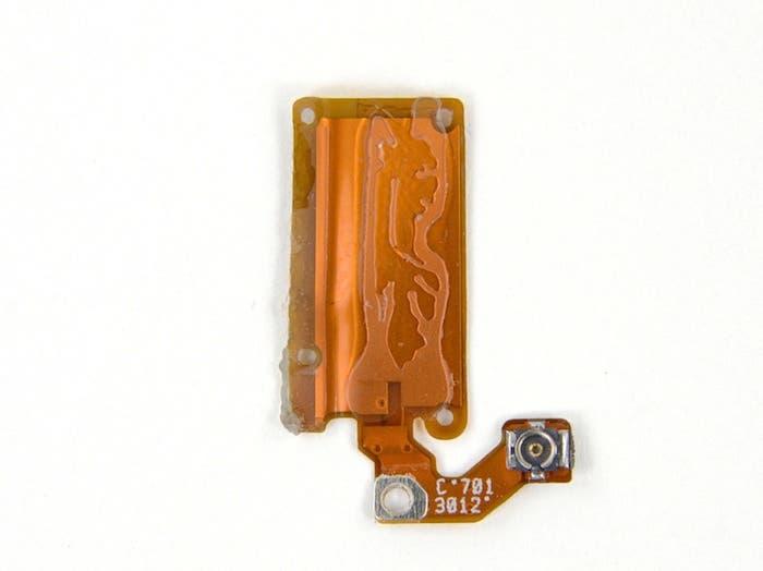 Desmontando el iPod nano 7G: Detalle de la antena Bluetooth