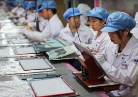 Foxconn planea reemplzar trabajadores por robots