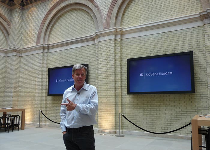 Ron Johnson en la Apple Retail Store de Covent Garden