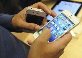 iPhone 5 blanco en una tienda