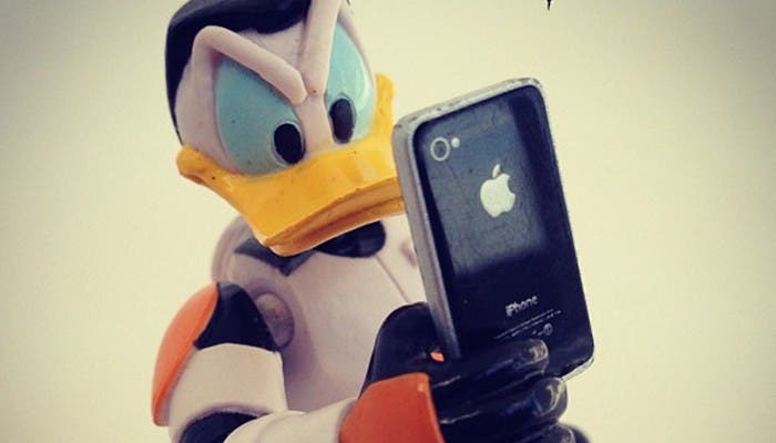 Donald con un iPhone