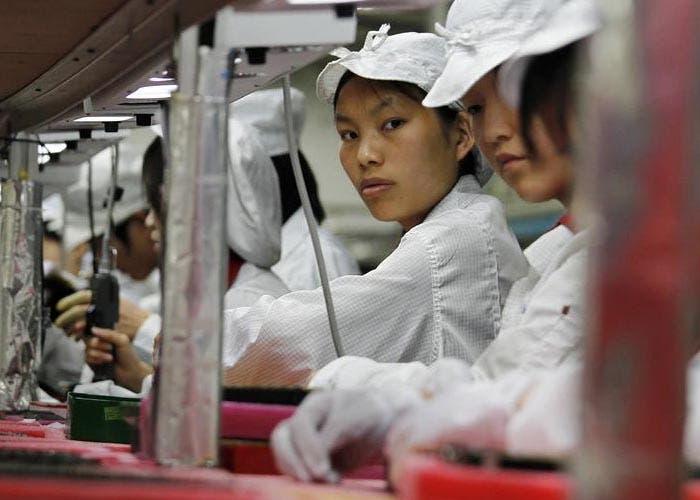 Fábrica de Foxconn montando el iPhone