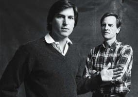 Steve Jobs junto a John Sculley