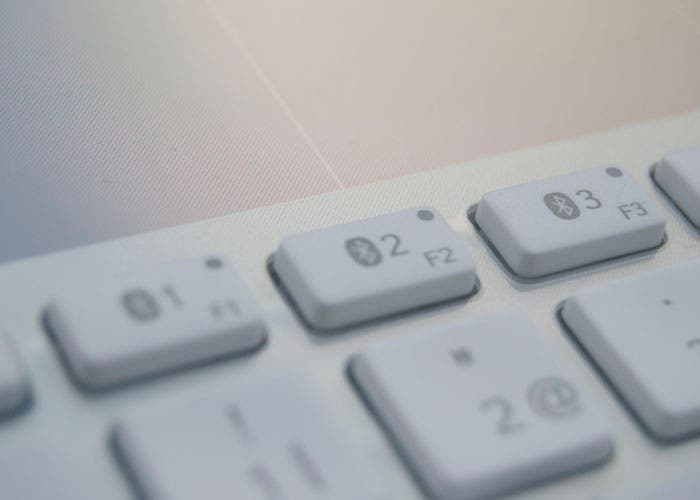 Logitech teclado bluetooth