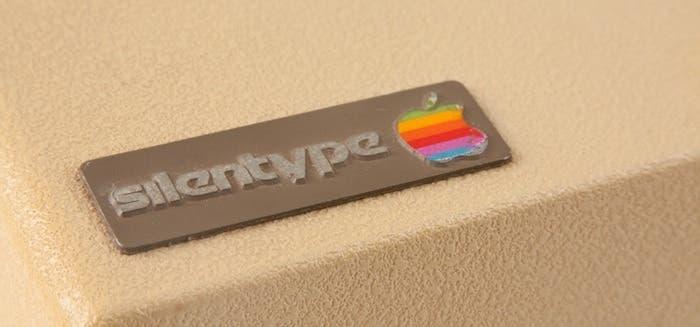 Logotipo vintage de la Apple Silentype