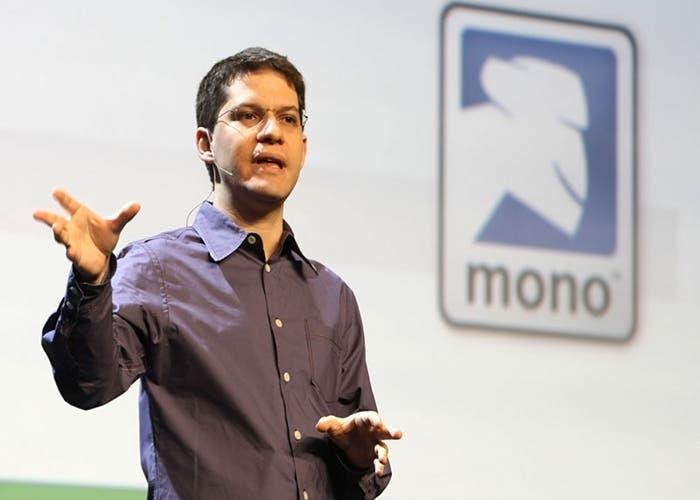 Instantánea del creador de GNOME en una charla sobre Mono