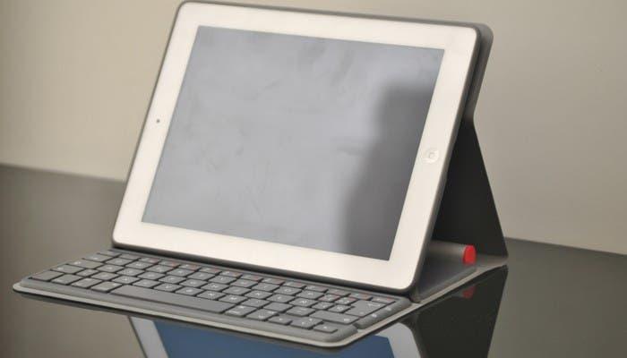 Logitech Solar Keyboard Folio con un iPad