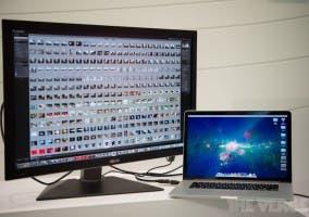El MacBook Pro con pantalla Retina y un monitor 4K