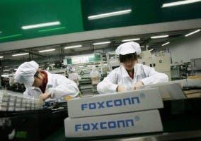 Trabajadores en la fábrica de Foxconn
