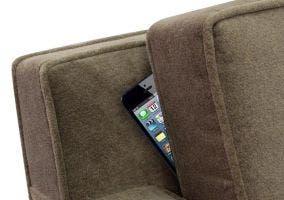iPhone perdido en el sofá