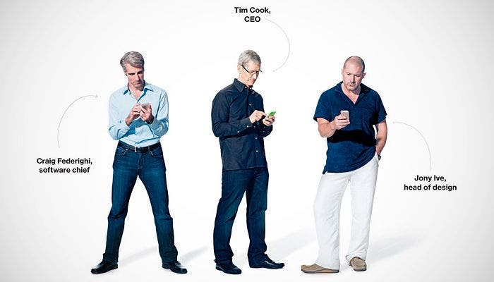 Tim Cook, Jony Ive y Craig Federighi de Apple