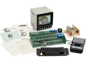 Primer ordenador de Apple con todos sus componentes