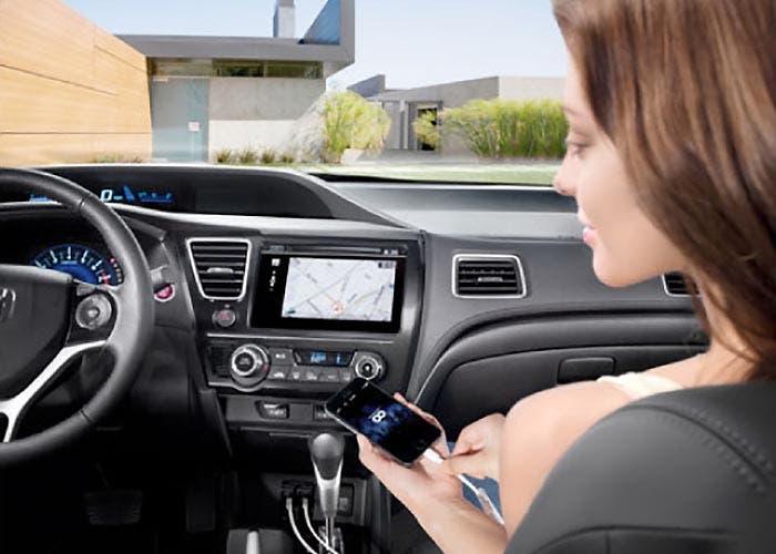 iPhone conectado por Honda Link