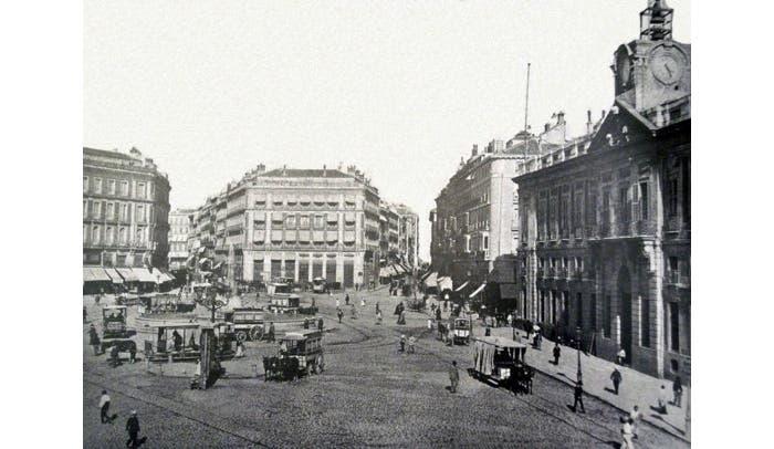 Puerta del Sol (1885) Tras su reforma