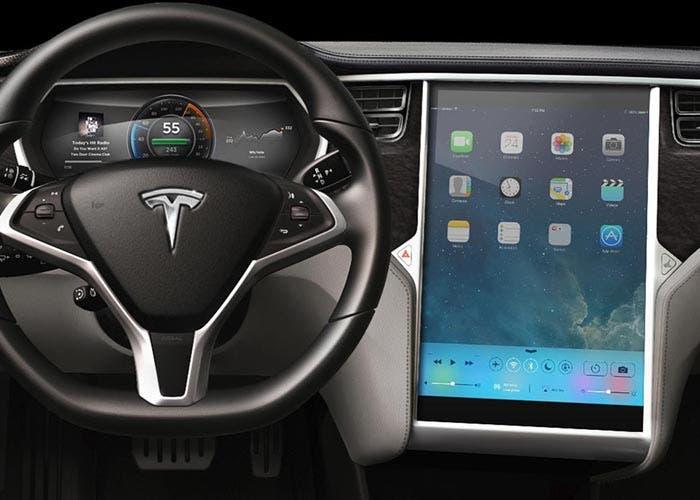 Tesla con un iPad en el salpicadero