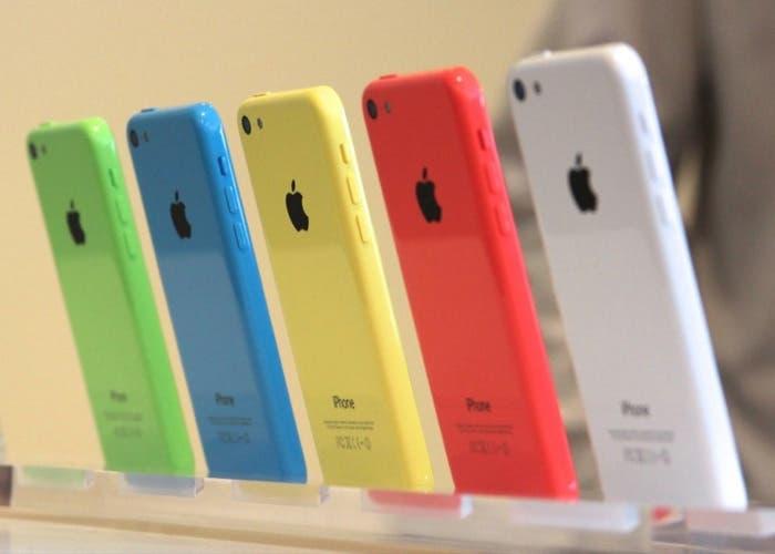 iPhone 5c en un stand