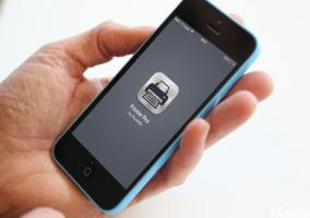 iPhone con la pantalla principal de Printer Pro