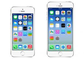 Foto comparativa de la pantalla de inicio de iOS 7 en los dos dispositivos