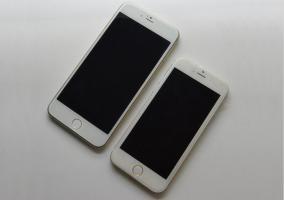 Prototipos de iPhone 6 de 4.7 pulgadas y de 5.5 pulgadas.