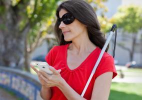 Opciones de accesibilidad en tu iPhone para personas con problemas de visión