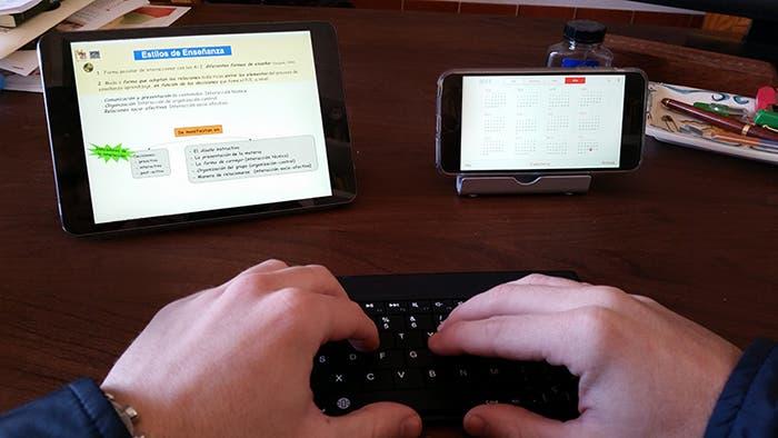 iPhone 6 Plus y iPad mini 2 en la oficina