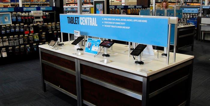 Expositor de tablets en una tienda