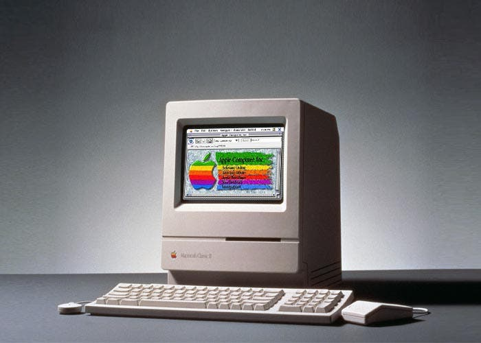 La web de Apple de 1993 en un Macintosh Classic II