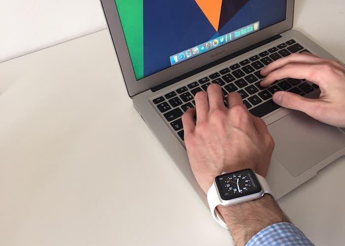 Apple Watch + MacBook