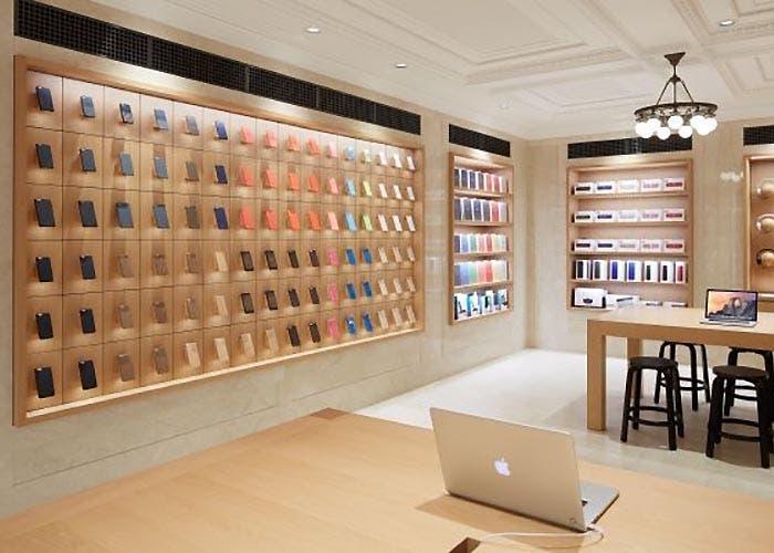 Nueva distribución de los accesorios en las Apple Store