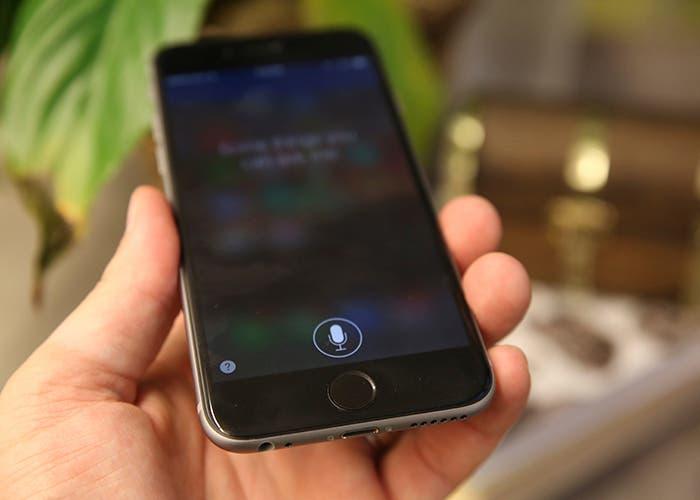 Siri ejecutandose en un iPhone 6