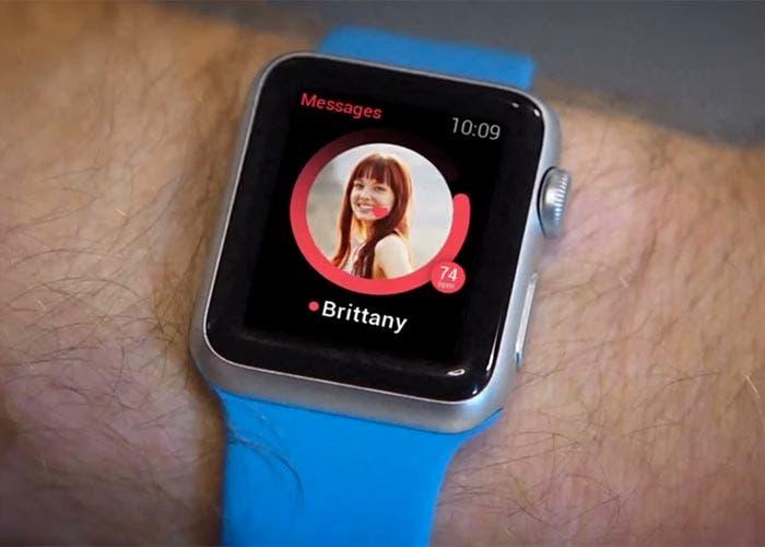 Tinder midiendo el pulso en vuestro Apple™ Watch