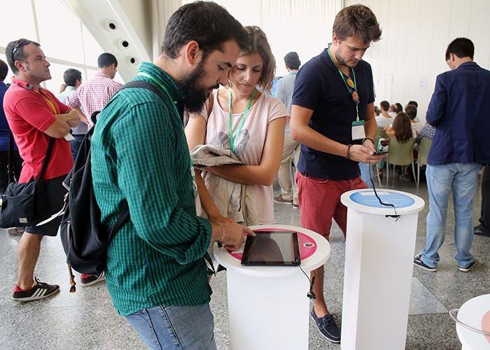 Personas en el App Trade  Centre 2014