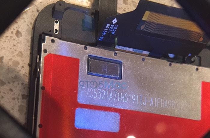 Detalle del chip de Force Touch en la pantalla del iPhone 6s