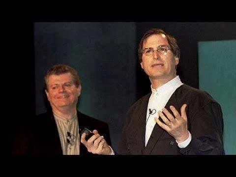 3092975cfd7 Tim Cook era por decirlo así el hombre de confianza de Jobs. Durante las  épocas que Steve tuvo que dejar Apple ...