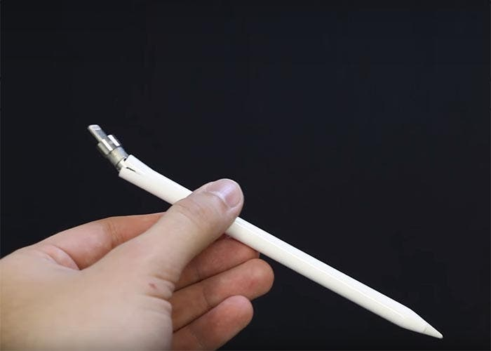 Apple Pencil destrozado tras un test de resistencia