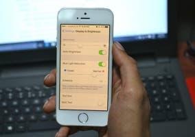 Muestra de cómo funciona Night Shift en iOS