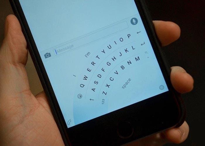 Modo de uso de una sola mano en el Teclado de Microsoft para iOS